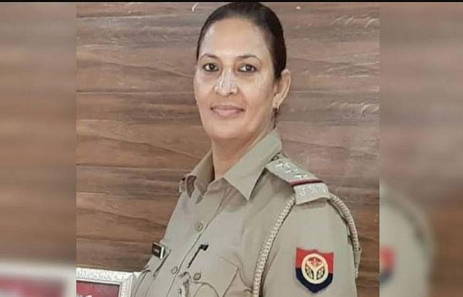पुलिस इंस्पेक्टर लक्ष्मी चौहान समेत कई पुलिसकर्मियों के खिलाफ एफआईआर दर्ज करने के आदेश