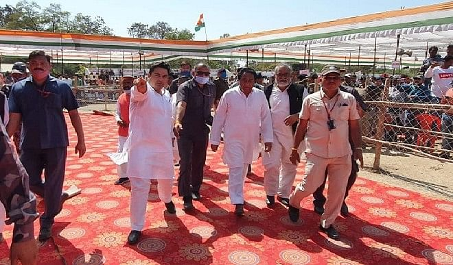 कमलनाथ का शिवराज सरकार पर निशाना अगर जनता साथ है तो मतपत्र पर चुनाव से परहेज क्यों ?