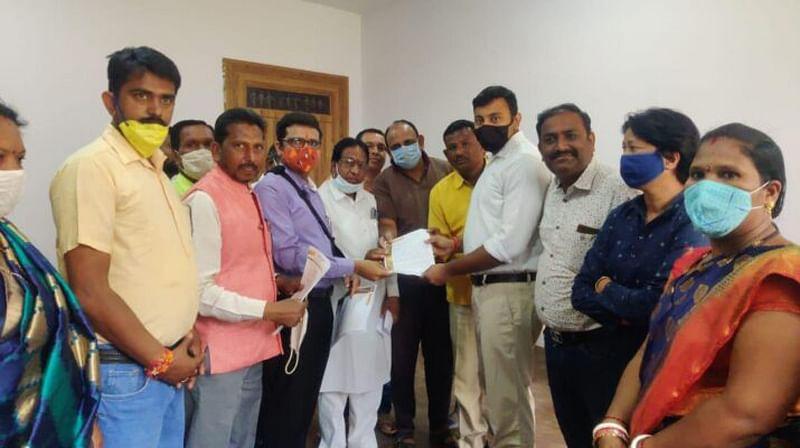 jagdalpur-bjp-councilor-submits-memorandum-in-protest-against-premium-foreign-liquor-shop
