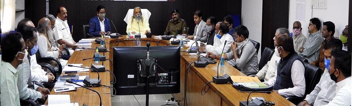 रायपुर : गौ संरक्षण एवं गौ संवर्धन के लिए सरकार हर तरह प्रयासरत : डॉ महंत रामसुन्दर दास