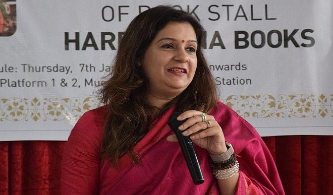 प्रियंका चतुर्वेदी ने स्वास्थ्य मंत्री को लिखा पत्र, वैक्सीनेशन अभियान में निजी अस्पतालों को शामिल करने की मांग