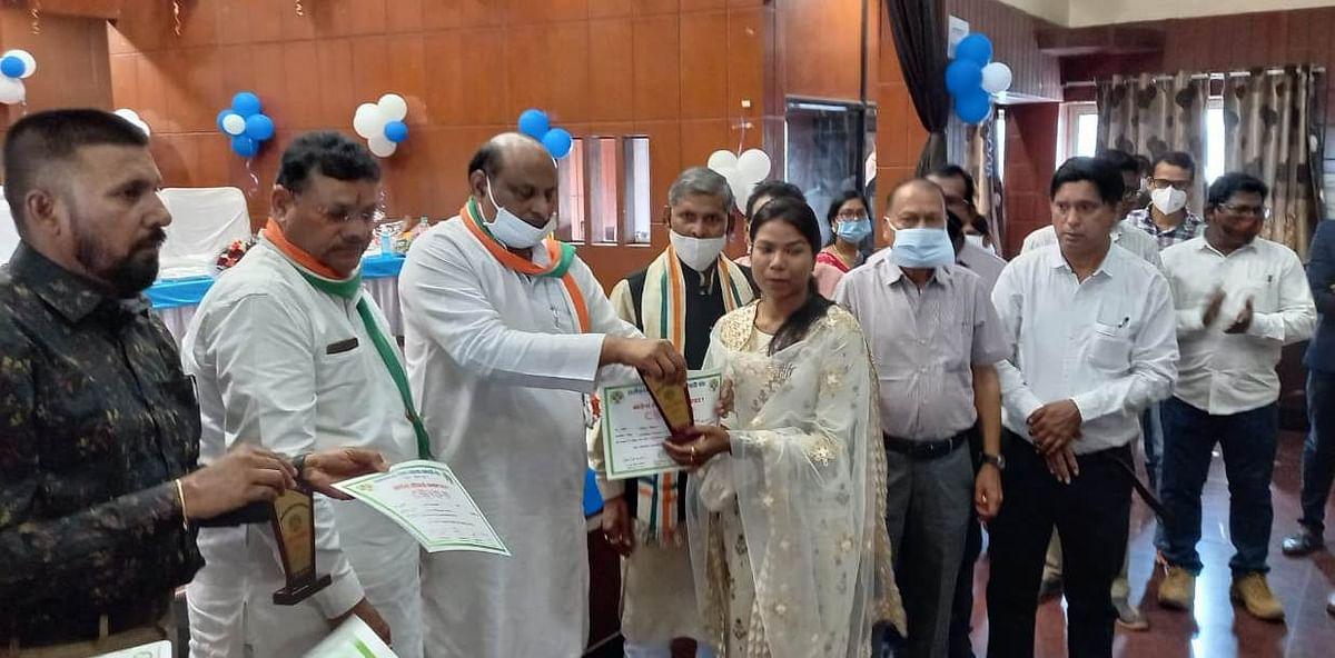 रायपुर : वैश्विक महामारी कोरोना की रोकथाम में स्वास्थ्य कर्मियों का महत्वपूर्ण योगदान: जयसिंह अग्रवाल