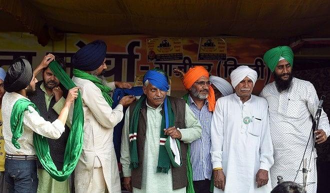 कृषि कानून: प्रदर्शन कर रहे किसानों ने गीत गाते हुए 'पगड़ी संभाल दिवस' मनाया