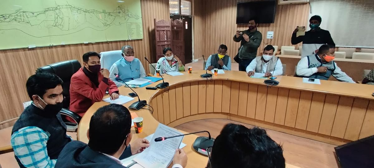 kumbh-the-salary-of-the-cleaning-staff-will-go-to-the-bank-accounts-deepak-rawat