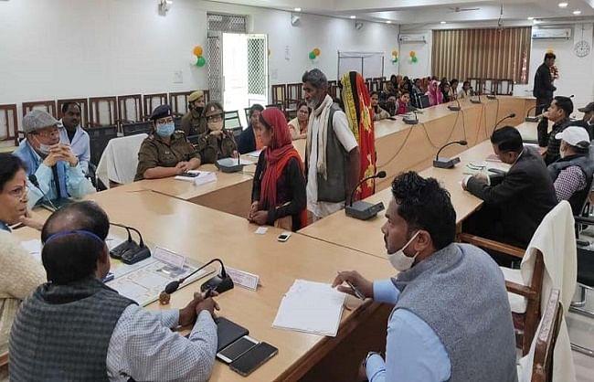 महिला आयोग सदस्य ने सुनी उत्पीड़न सम्बन्धी शिकायतें, दो मामलों में कराया समझौता