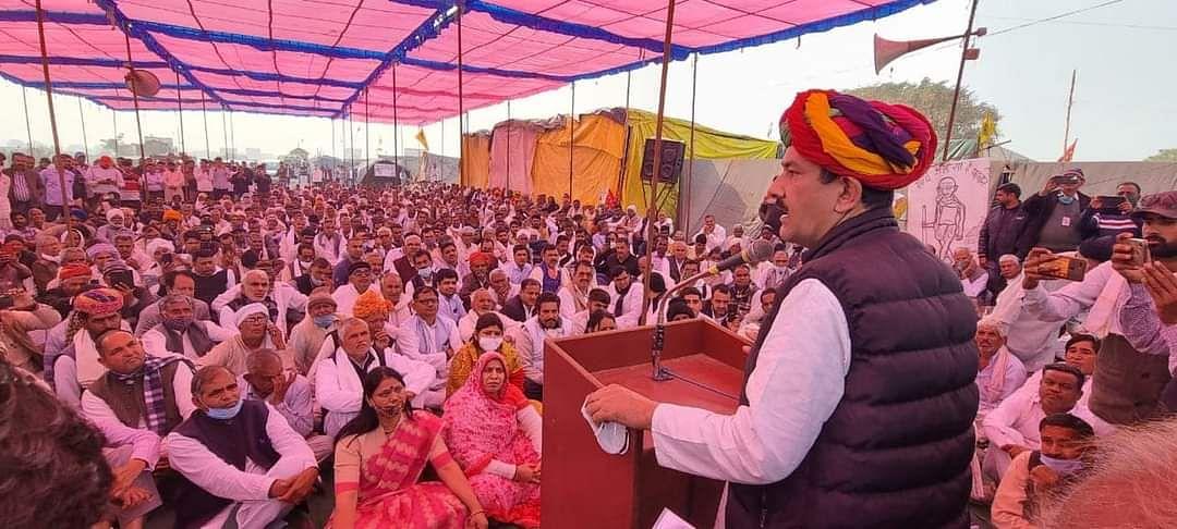 पूर्व केंद्रीय मंत्री जितेंद्र सिंह पहुंचे शाहजहापुर बॉर्डर, बोले -पूरी दुनिया किसानों का दर्द महसूस कर रही हैं