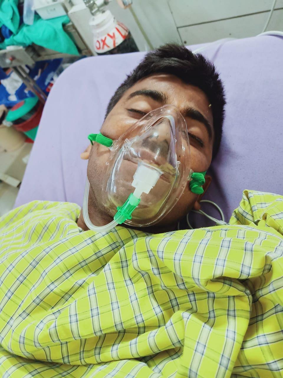 आईईडी ब्लास्ट की चपेट में आए सीआरपीएफ जवान का मेडिका में चल रहा है इलाज