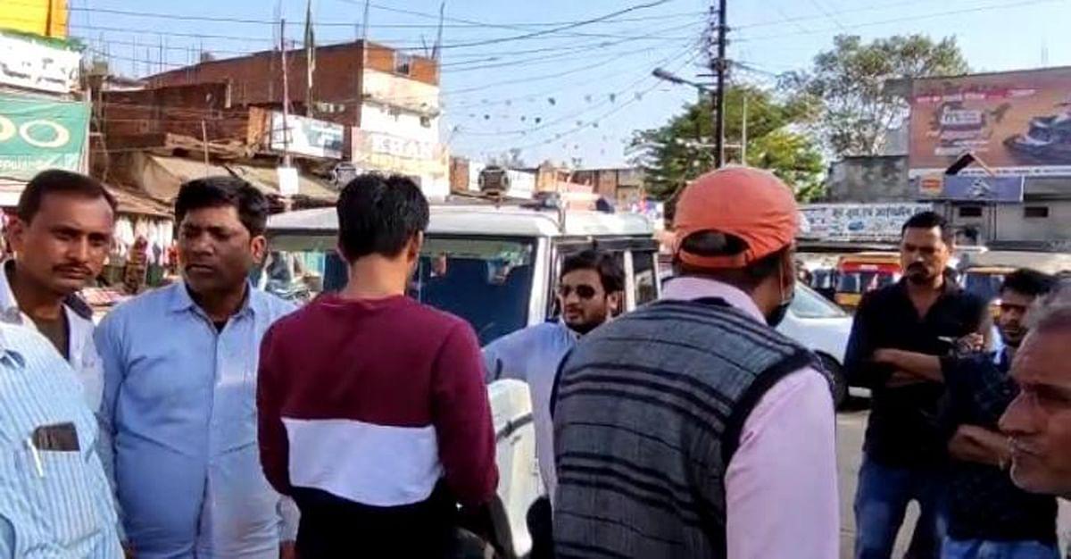 चैकिंग अभियान में आरटीओ ने 11 बसों से वसूला 29 हजार 500 रुपये का जुर्मना