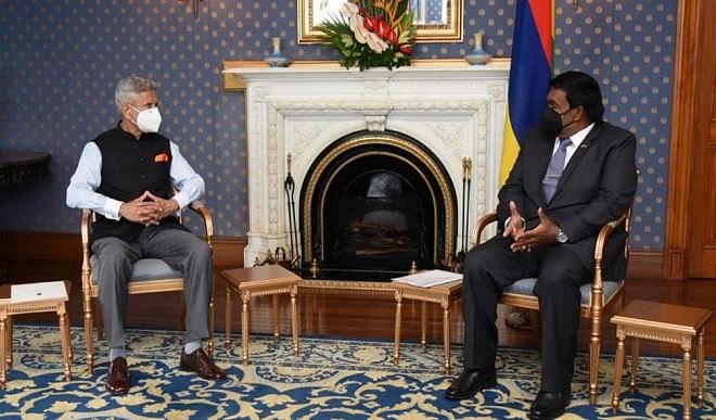 एस जयशंकर ने मॉरीशस के राष्ट्रपति से की मुलाकात, 'अति विशिष्ट' द्विपक्षीय संबंधों पर हुई चर्चा