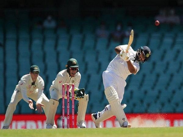 पंत एक ऐसे बल्लेबाज हैं, जो अपने खेल को अच्छी तरह से जानते हैं : कमिंस