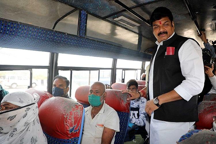 अपडेट...परिवहन मंत्री राजपूत ने किया यात्री बसों का औचक निरीक्षण, 11 बसें की गई जब्त