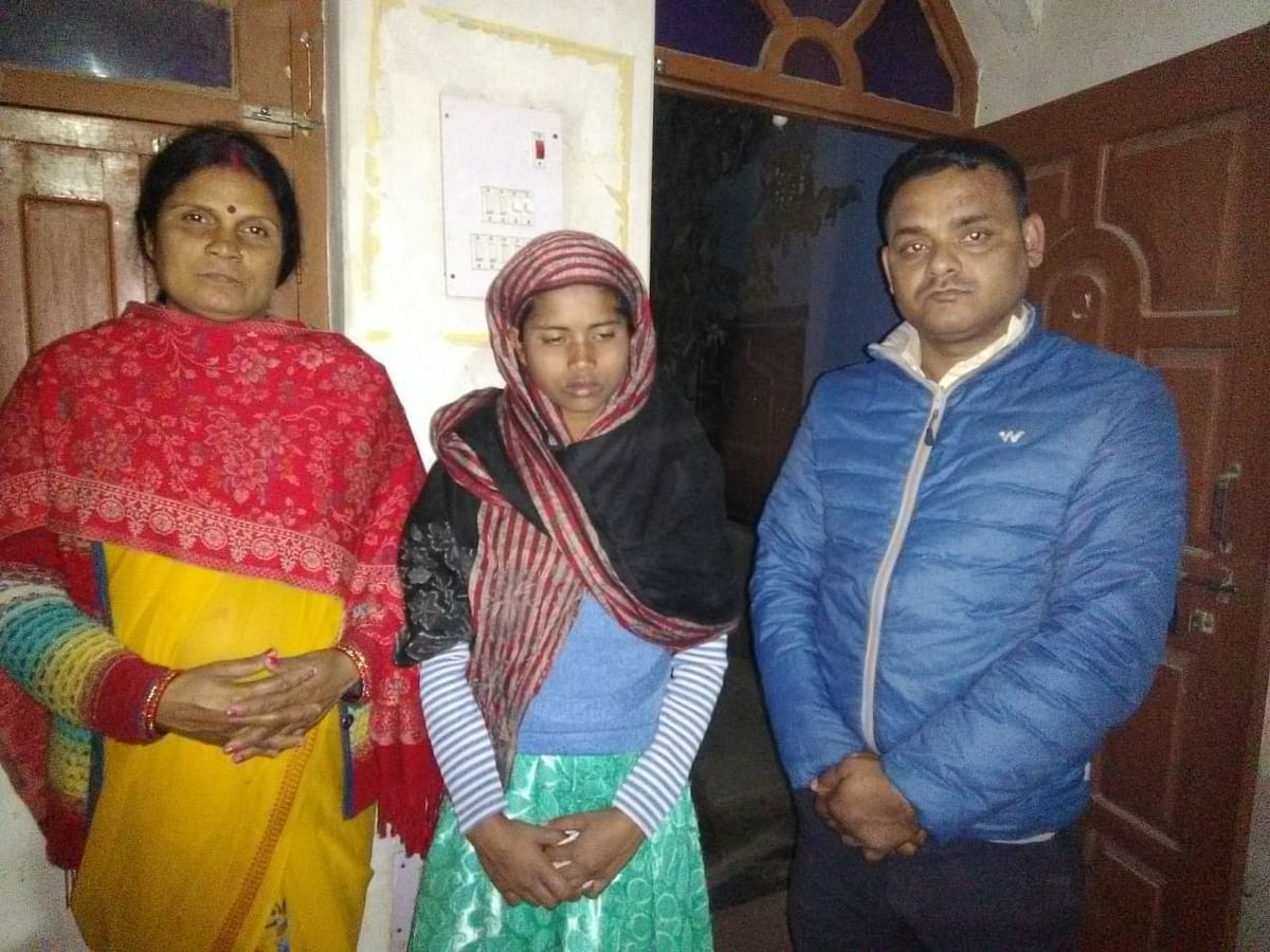 child-line-handed-over-to-bhatki-teenager