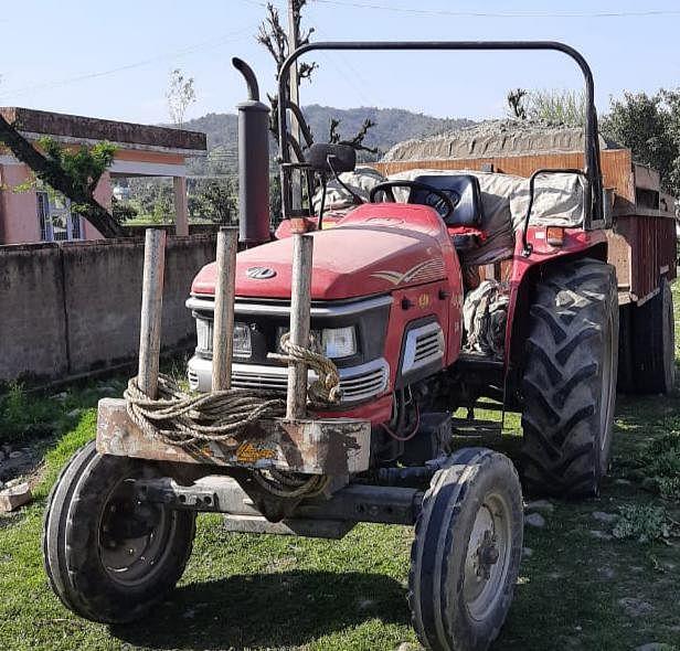 कठुआ पुलिस ने अवैध खनन में लिप्त वाहनों को किया सीज