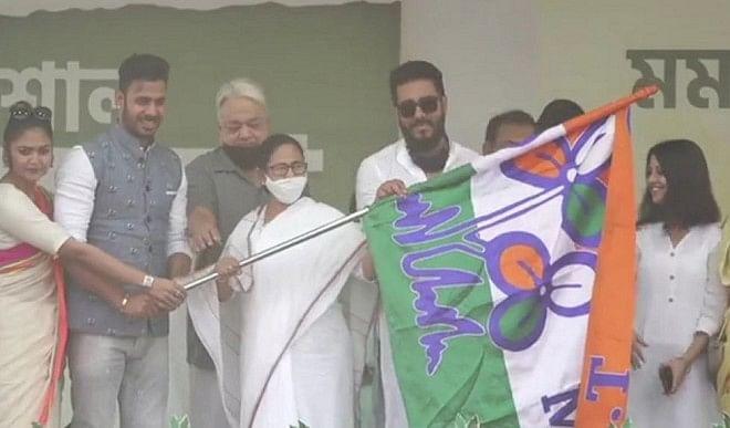 मनोज तिवारी ने तृणमूल से की सियासी पारी की शुरुआत, बोले- जॉय बांग्ला