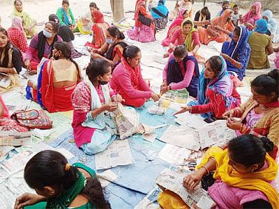 धीमरी गांव की 107 महिलायें ले रहीं प्रशिक्षण