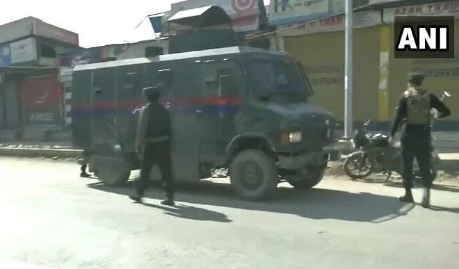 श्रीनगर में आतंकवादियों ने पुलिस पर चलाई गोली, एक कांस्टेबल की मौत