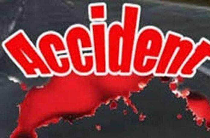 मोटर साइकिल सवार दम्पति को ट्रक ने मारी टक्कर, पत्नी की मौत पति घायल