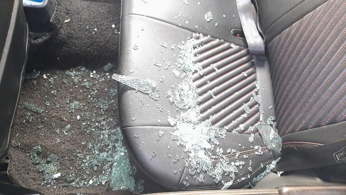 दिनदहाड़े कार का शीशा तोड़कर तीन लाख रुपए अपराधियों ने उड़ाए