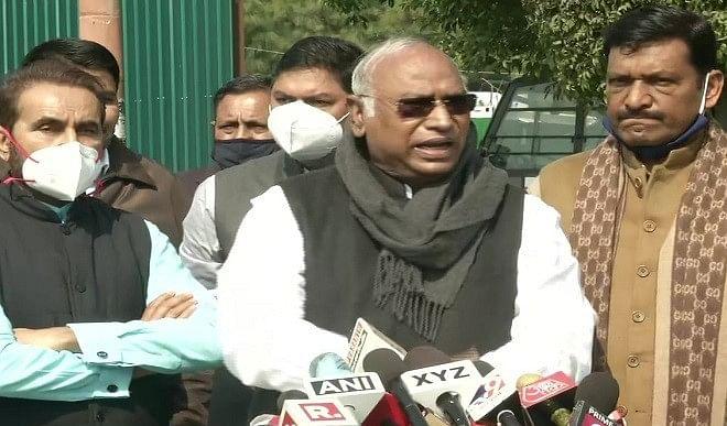 मोदी ने कहा था किसानों को MSP लिखित में मिलनी चाहिए, आज वे क्यों नहीं दे रहे: मल्लिकार्जुन खड़गे