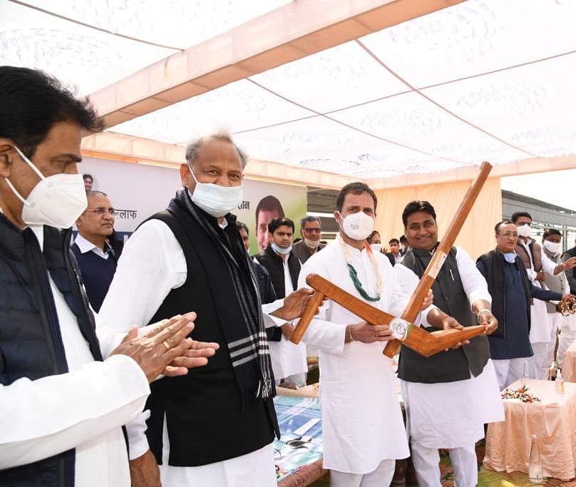 राहुल गांधी की रैली में पायलट को नहीं मिला बोलने का मौका, मंच पर भी बैठे दूर