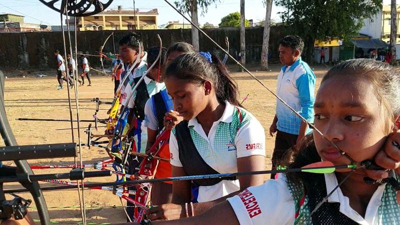 कोंडागांव : अबूझमाड़ के छह बच्चों का जूनियर राष्ट्रीय तीरंदाजी प्रतियोगिता में हुआ चयन