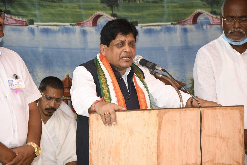 रायपुर : महापुरुषों की वाणी हमेशा सत्य और अहिंसा की राह पर चलने वाली : मंत्री डॉ. डहरिया