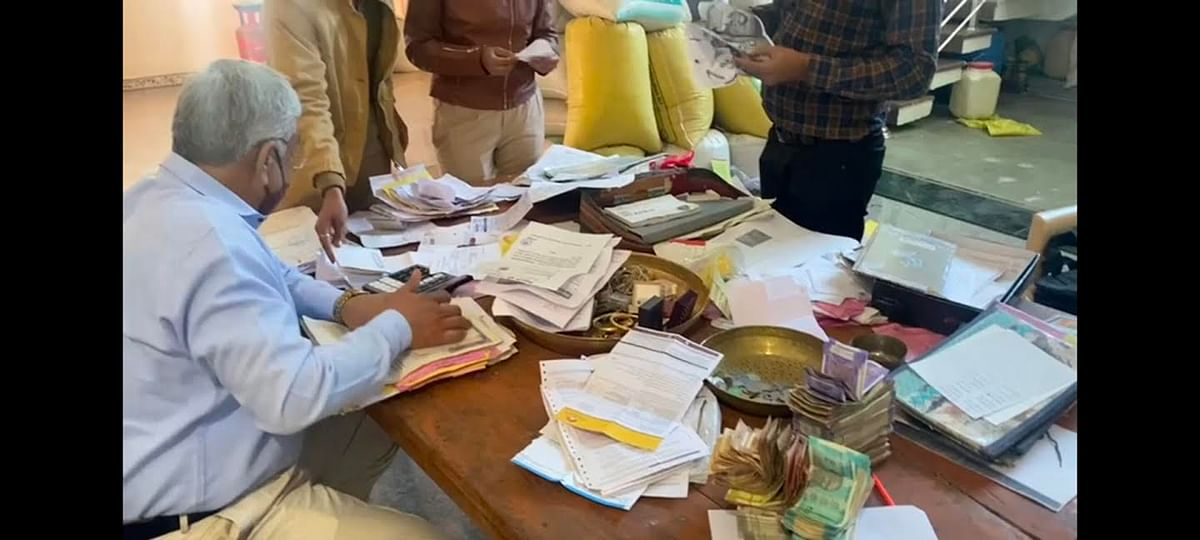 update--manager-of-cooperative-society-turns-out-to-be-crores-of-crores