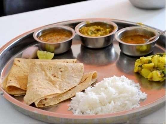 चुनाव से पहले ममता सरकार ने शुरू की मां रसोई, गरीबों को 5 रुपये में मिलेगा अंडा चावल