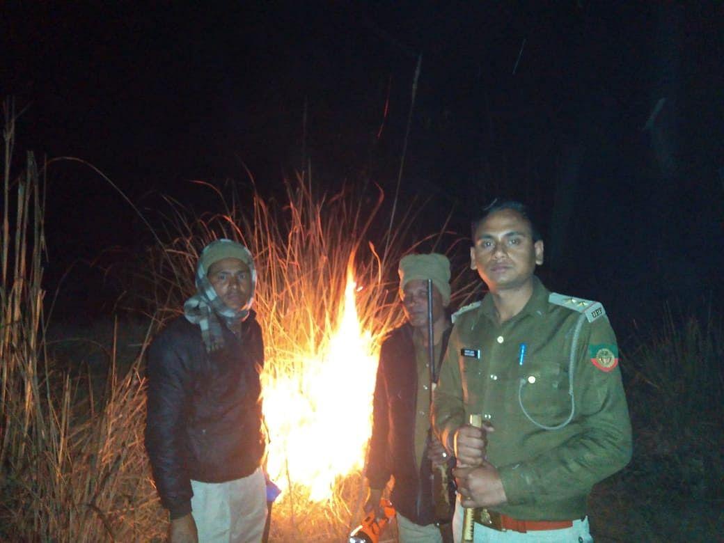 ग्रामीणों ने बनाया जंगल में टहलते तेंदुए का वीडियो, वायरल