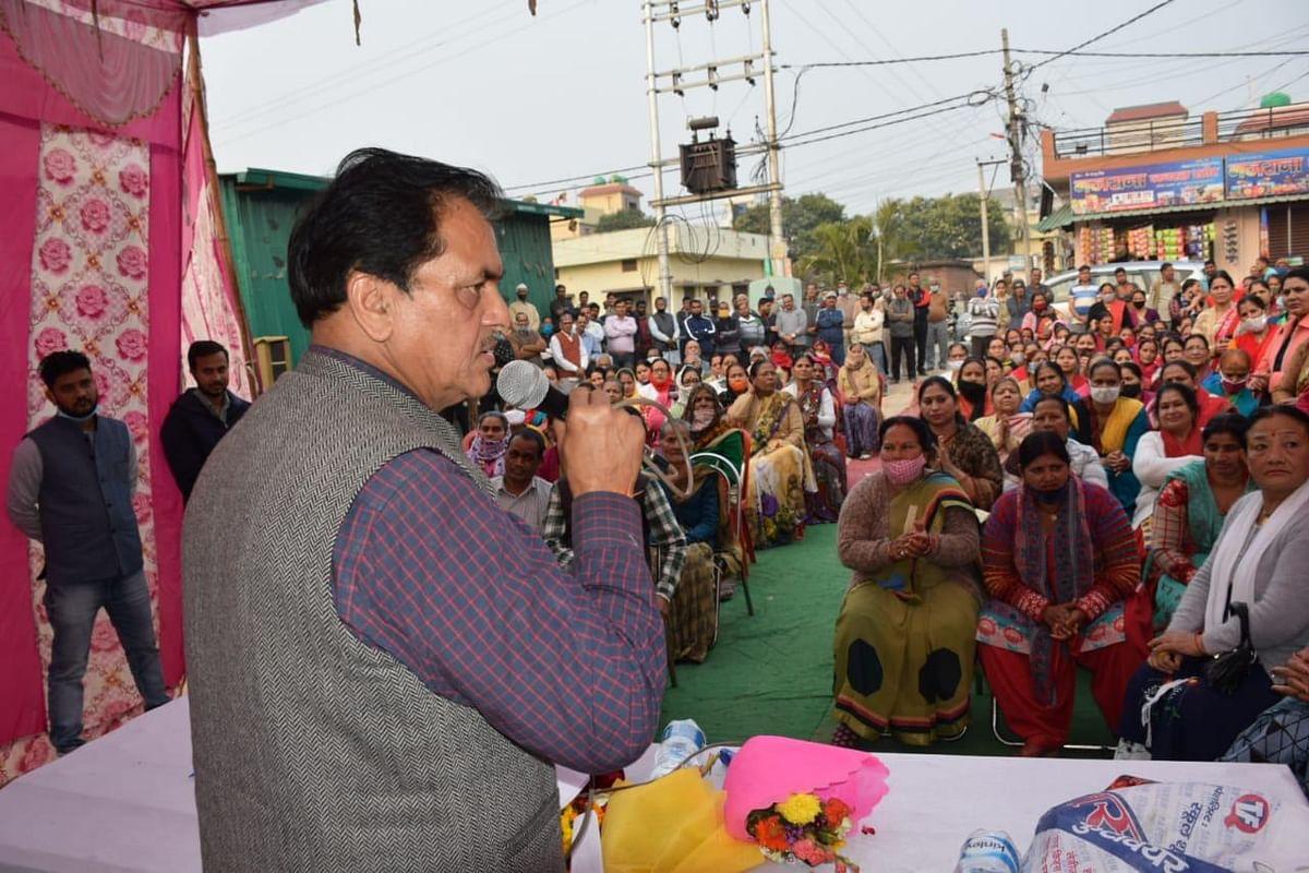 विधानसभा अध्यक्ष ने सड़कों के लिए 10 लाख रुपये देने की घोषणा की