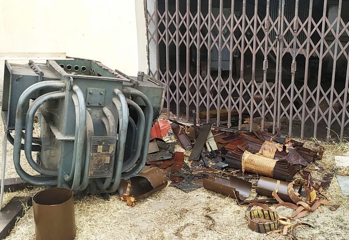 बदमाशों ने कर्मचारियों को बंधक बनाकर की लूटपाट