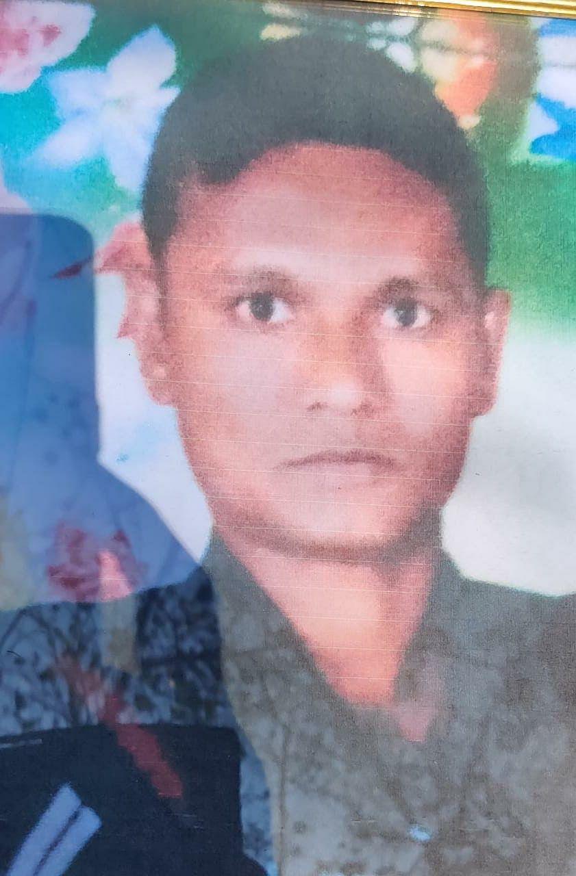हजारों लोगों ने दिवंगत सैनिक संजय पांडे को दी नम आंखों से विदाई