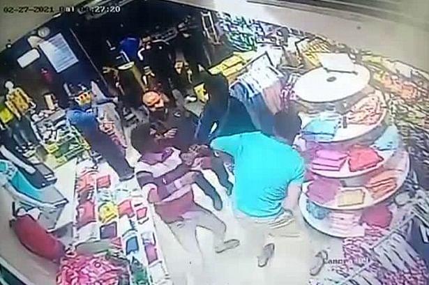 वी मार्ट स्टोर में मारपीट का वीडियो वायरल, दो गिरफ्तार