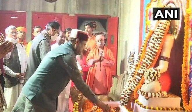 गोरक्षनाथ-मंदिर-में-ओम-बिरला-ने-किया-दर्शन-पूजन-देश-के-विकास-के-लिए-की-प्रार्थना-