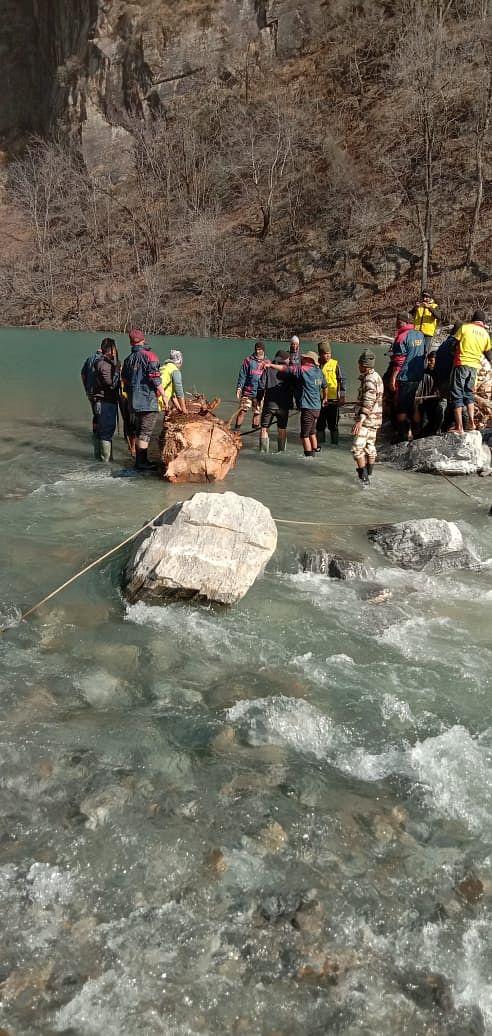 चमोलीः आईटीबीपी ने खतरा मानी जाने वाली झील के मुहाने से काफी हद तक मलबा हटाया
