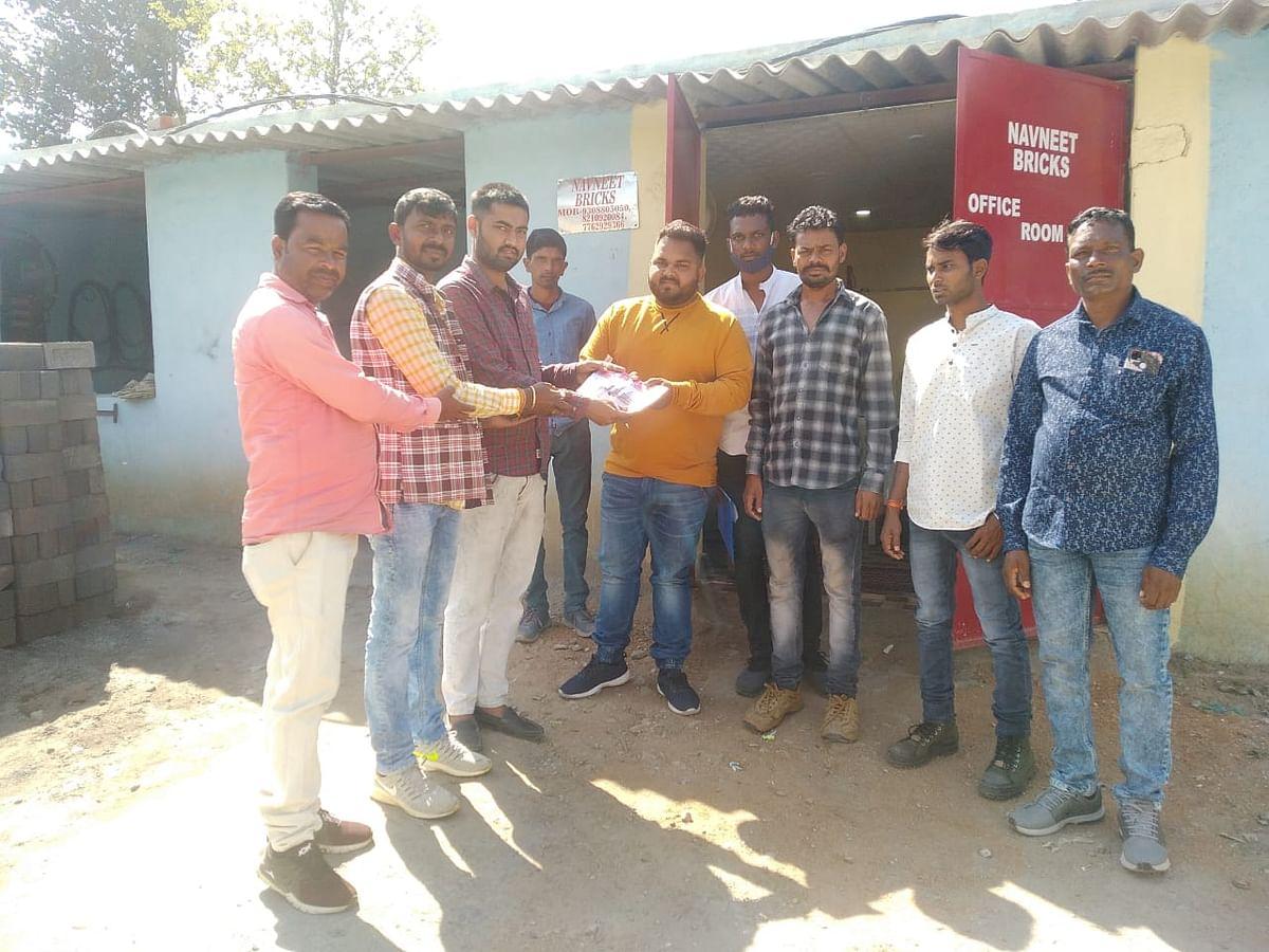 श्रीराम मंदिर के लिए युवा मोर्चा कार्यकर्ताओं ने किया निधि संग्रह