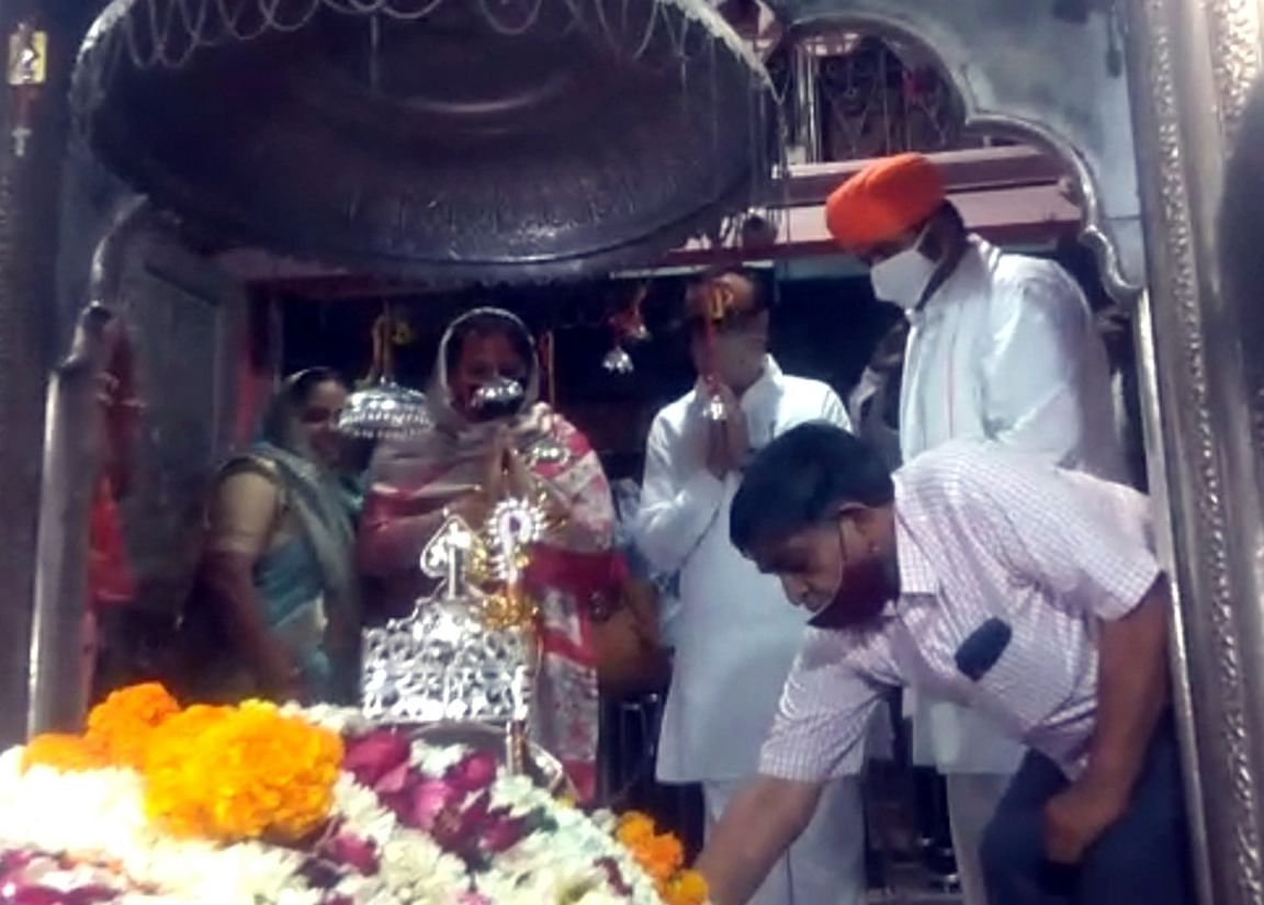 प्रदेश प्रभारी माकन एवं पीसीसी चीफ डोटासरा ने किए बाबा रामदेवरा की समाधि के दर्शन