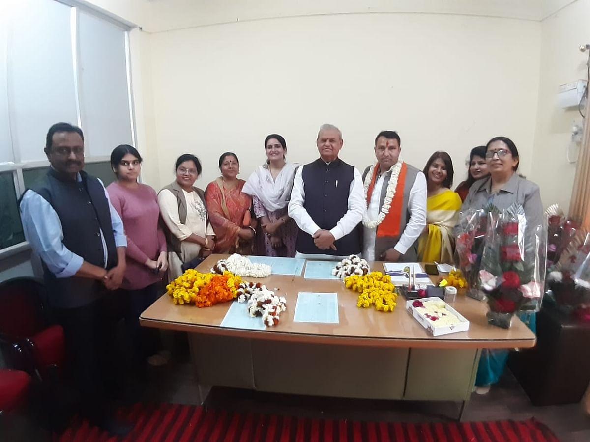 नई होर्डिंग साईट्स चिन्हित कर निगम के राजस्व में वृद्धि करेगे:चैयरमेन प्रवीण कुमार यादव
