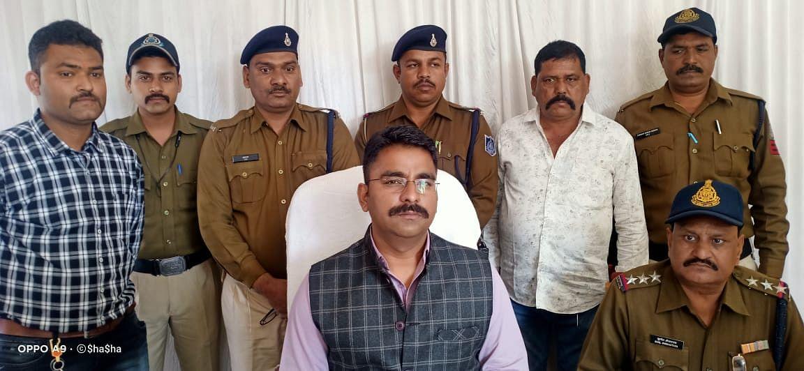 रिश्तेदारी का छलावा देकर आभूषण सहित नकदी लूटने वाले तीन आरोपित गिरफ्तार