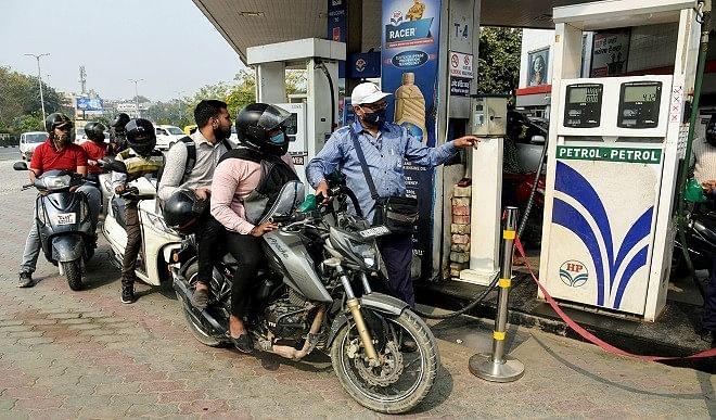 पेट्रोल-डीजल के बढ़ते दामों से बचने के लिए वैकल्पिक ईंधन अपनाने का यह सही समय है