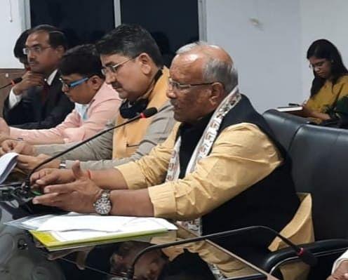 उप मुख्यमंत्री ने राजस्व संग्रहण,आंतरिक  संसाधन और बुडको के पदाधिकारियों के साथ की समीक्षात्मक बैठक