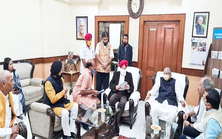 रायपुर : केंद्रीय विमानन मंत्री से मिले छत्तीसगढ़ चैंबर ऑफ कॉमर्स के पदाधिकारी, रायपुर को इंटरनेशनल एयरपोर्ट बनाने की मांग