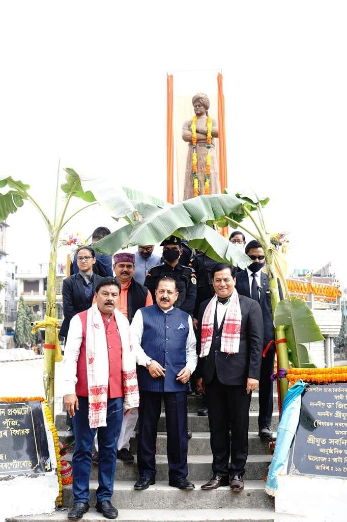 cm-released-the-life-size-statue-of-swami-vivekananda