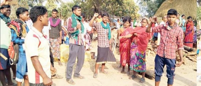 narayanpur-memorandum-submitted-against-the-arrest-of-four-villagers-involved-in-naxalite-encounter