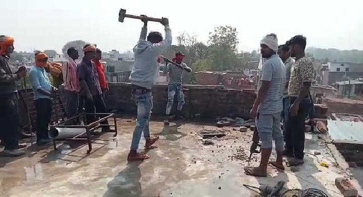 yogi-government-demolishes-illegal-house-of-drugs-ma-fia-sushil-kid-in-kanpur