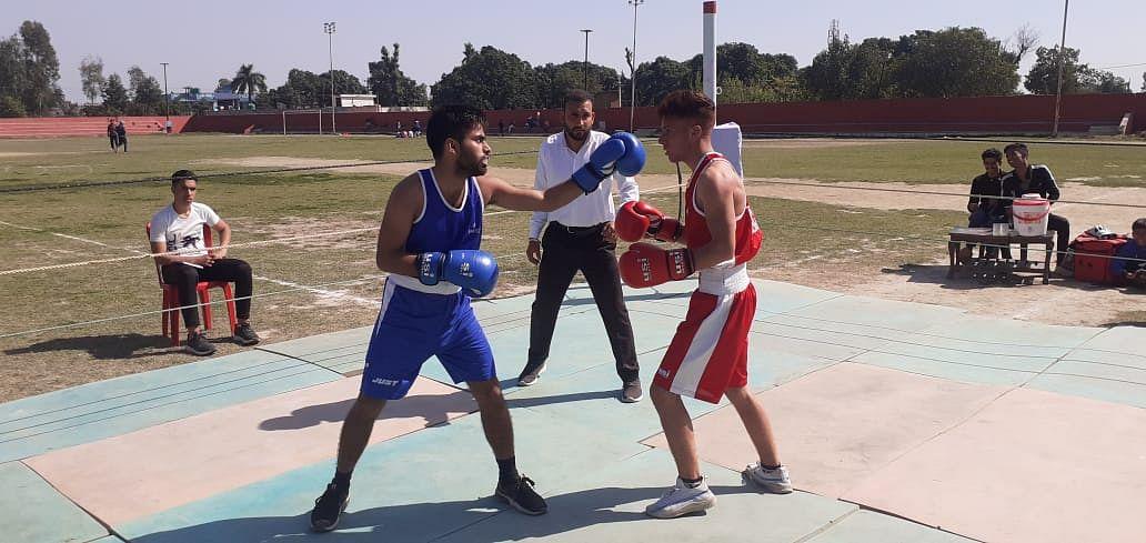 जिला स्तरीय बॉक्सिंग प्रतियोगिता का आयोजन