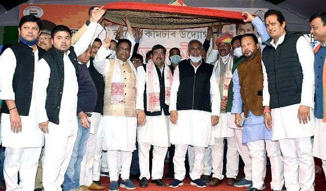 असम में 100 आने के अमित शाह के दावे पर  कांग्रेस नेता भूपेश बघेल का कटाक्ष