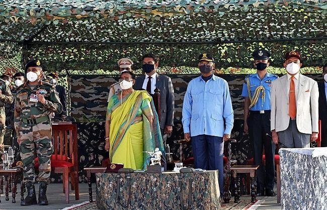 राष्ट्रपति ने स्वराज द्वीप पर देखा तीनों सेनाओं का ऑपरेशनल प्रदर्शन