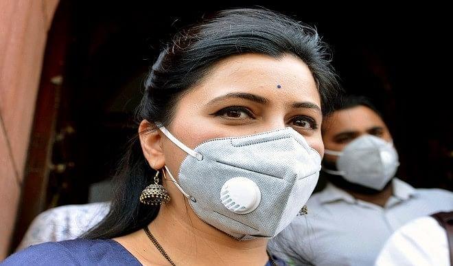नवनीत राणा को शिवसेना के लेटर हेड पर मिली धमकी, दिल्ली पुलिस ने दर्ज की FIR
