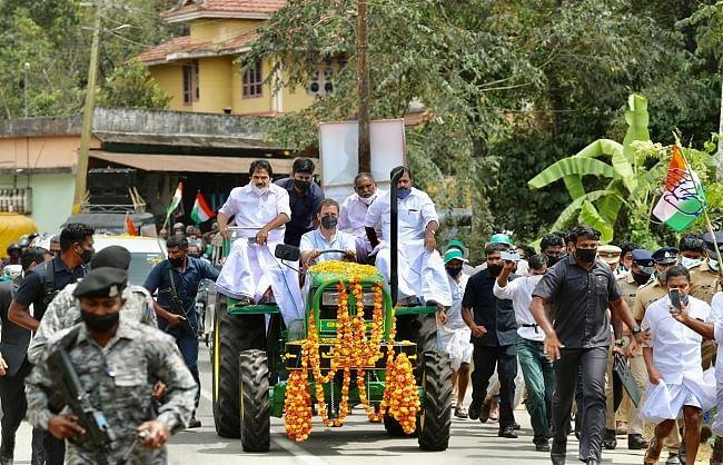 राहुल ने किसानों के समर्थन में निकाली ट्रैक्टर रैली, केंद्र पर बोला हमला